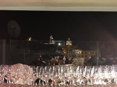 Sulla terrazza Posh di Palazzo Naiadi, The Dedica Anthology, Autograph Collectionuna parata di star a cena da Niko Sinisgalli per i 50 anni di Valter D'Errico.