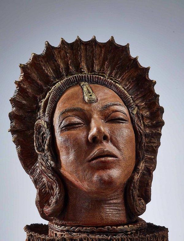 """""""In viaggio con gli Etruschi"""" tra moda, arte, ori e misteri"""