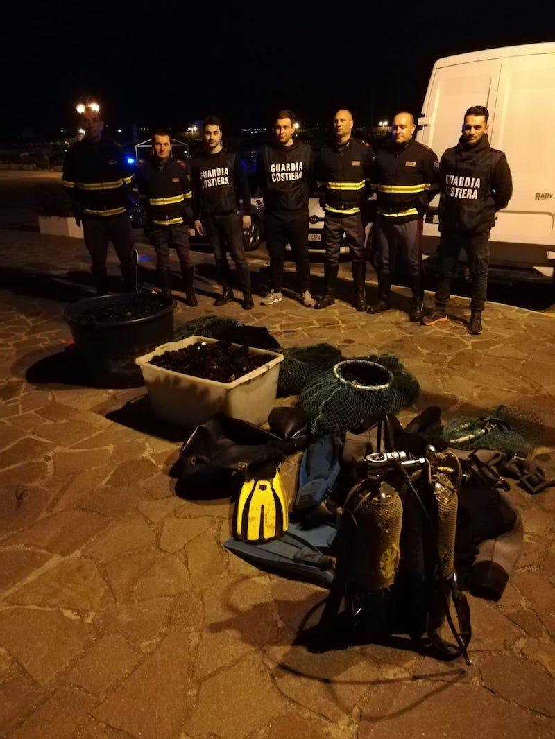 Inseguimento in autostrada: Guardia Costiera e Polizia Stradale mettono a segno un maxi sequestro di ricci di mare