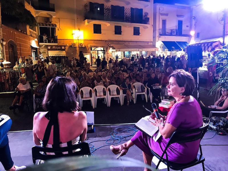 Ischia: Maurizio De Giovanni chiuderà stasera la prima edizione di Foriolegge