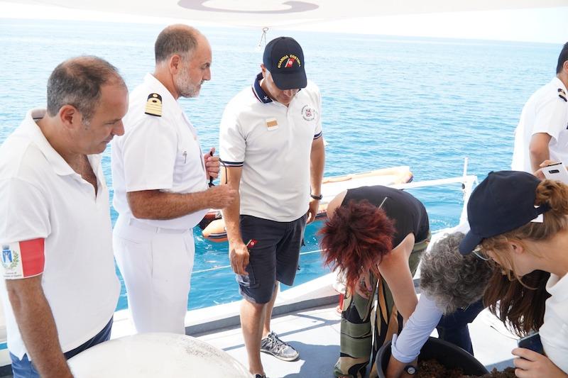 Il Ministro Toninelli e una delegazione di membri del Parlamento in visita alla Capitaneria di Porto di Civitavecchia