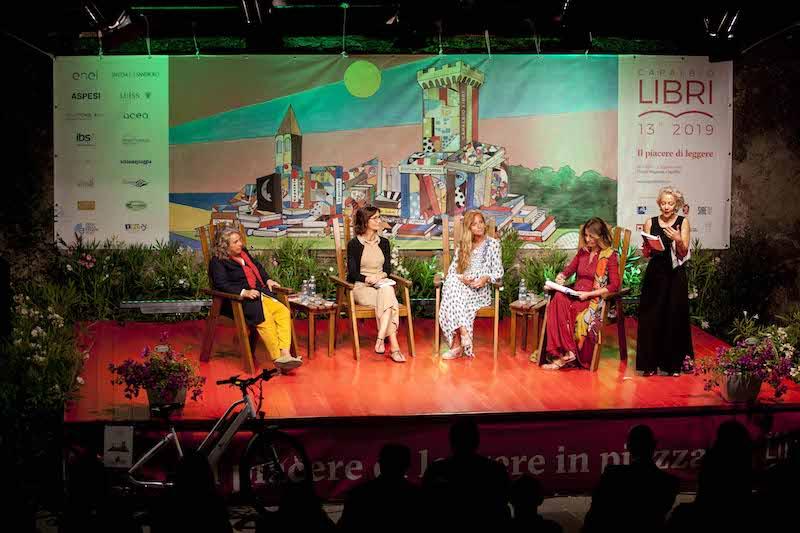 Poker femminile sul palco di Capalbio Libri per rompere gli schemi di genere (anche con la cultura)