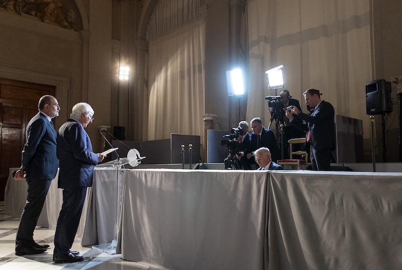 Il Presidente Mattarella ha ricevuto il Presidente del Consiglio Conte che ha rassegnato le dimissioni del Governo