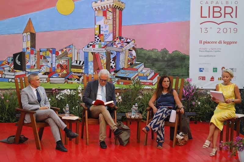 """Eugenio Giani a Capalbio Libri : """"Mi candiderei volentieri alla Presidenza della Regione Toscana, ma intanto vi faccio scoprire i segreti di questa terra che raccolto in quasi 30 anni di servizio in prima linea"""""""
