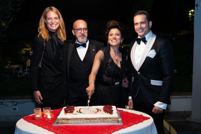 2^ edizione Premio Impresa Italia: riconoscimento alle eccellenze italiane Charity Gala per la raccolta fondi a favore dell'Associazione A.G.O.P. Onlus – Associazione Genitori Oncologia Pediatrica del Policlinico Gemelli di Roma