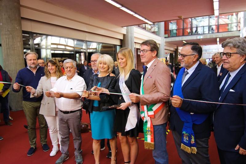 Modena Motor Gallery: bagno di folla per l'inaugurazione della settimana