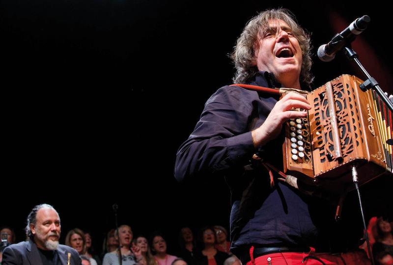 Prima edizione del Premio Gabriella Ferri-Auditorium Parco della Musica di Roma ad Alessandro Mannarino. Ospite Renzo Arbore