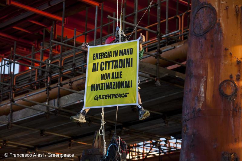 Clima, Greenpeace: dal 2010 le lobby di petrolio e gas hanno speso più di 250 milioni di euro per fare pressione su UE