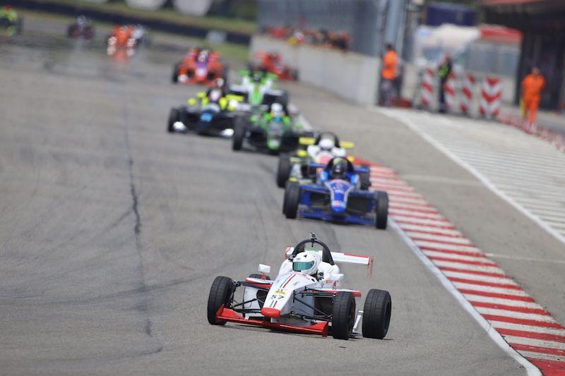 La Formula X accende i motori a Adria Motor Week
