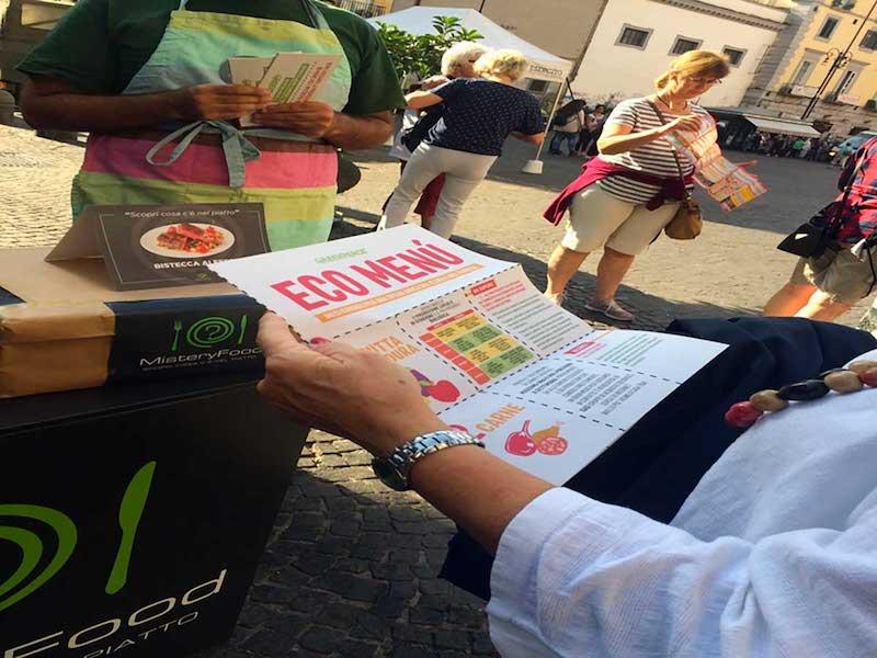 """Greenpeace in piazza in 18 città invita a giocare con Mistery Food: """"Non mangiamoci il Pianeta"""""""