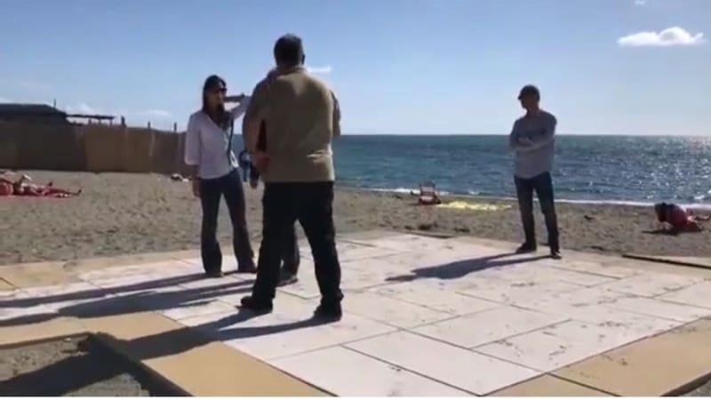 Sinistra Italiana X Municipio: Sindaca ad Ostia ma in punta di piedi. Dichiarazioni roboanti dalla spiaggia degli sposi ma la verità è tutt'altra.