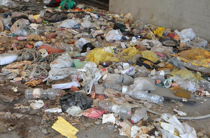 Plastic Tax, Greenpeace: persa occasione per riconvertire una produzione altamente inquinante