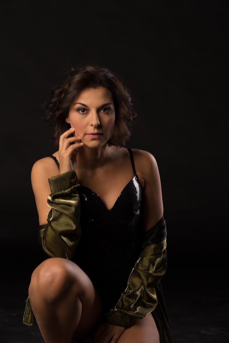 """""""Brasil"""", su Radio Rai2 debutta la calda voce della cantante e conduttrice Pamela D'Amico"""