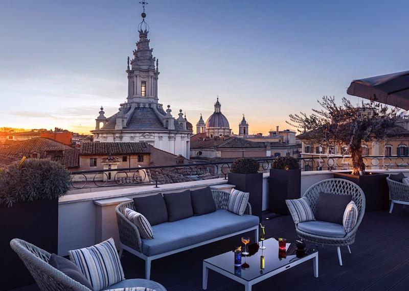 """Riapre la terrazza del """"The Pantheon Iconic Rome Hotel"""": salotto di stile e gusto con splendida vista su Roma"""