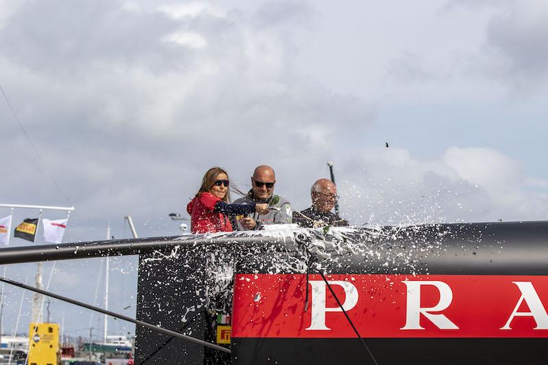 36^ America's Cup – Il team Luna Rossa Prada Pirelli vara ad Auckland il secondo AC75 Luna Rossa – Slideshow