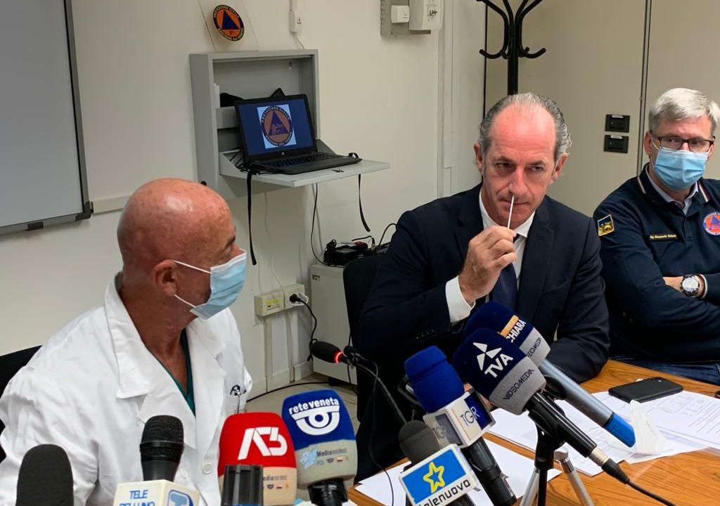 """COVID 19. In Veneto, primo in Italia, arriva un nuovo test rapido antigenico. Si fa e si analizza anche fuori da un laboratorio. Zaia: """"Una rivoluzione nella diagnostica"""""""