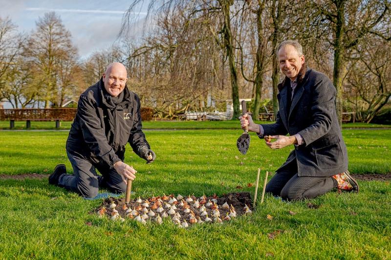 Astronaut André Kuipers plants the last flower bulbs in Keukenhof
