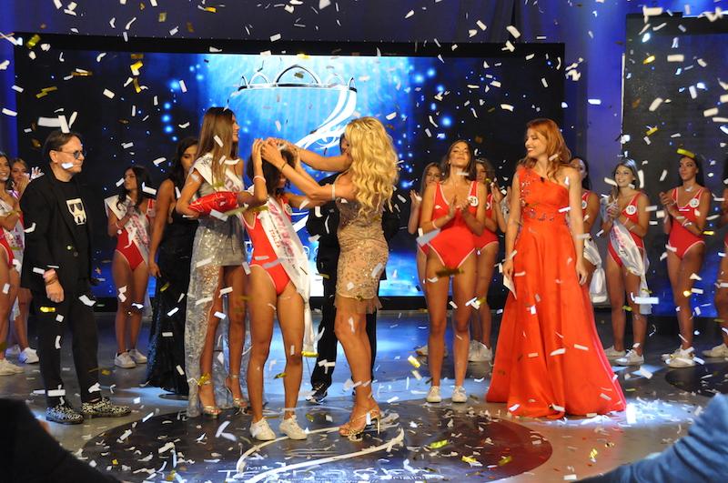 """""""Mi presento"""" il primo singolo di Magan Rodriguezbellezza Italo-Domenicana lanciata da Miss Teenager Original"""
