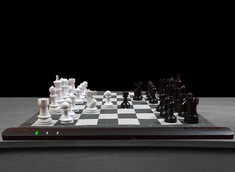 CES 2021 Las Vegas – Square Off present the world's smartest chess boards