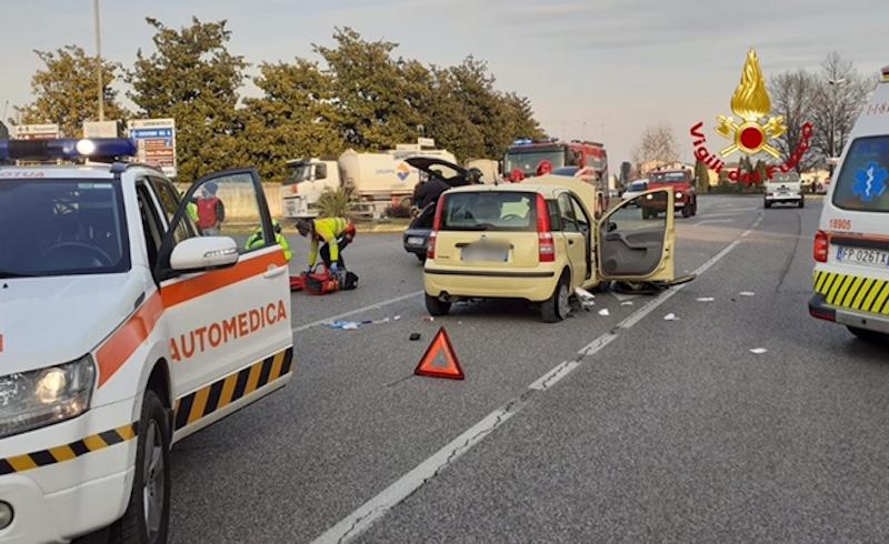 Vigili del Fuoco – San Zenone degli Ezzelini (TV), Incidente fra due auto, conducente ferita gravemente elitrasportata al Ca' Foncello