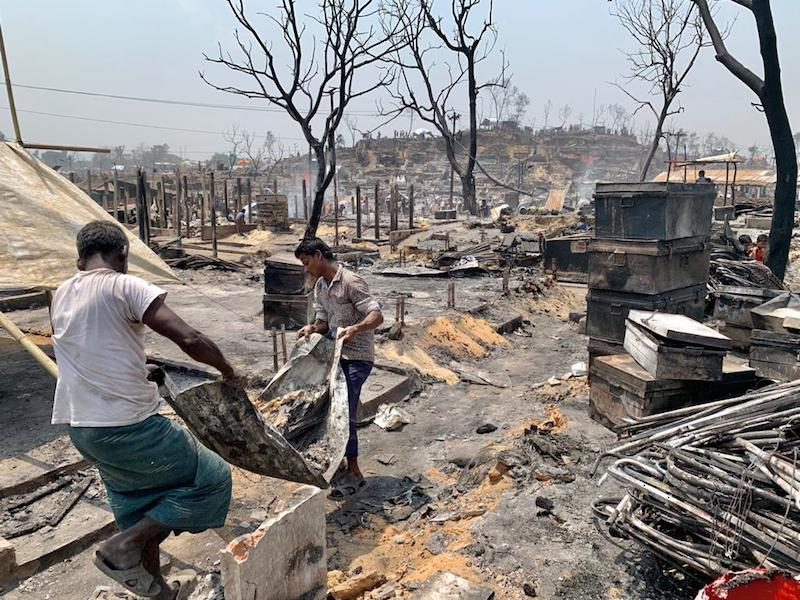 UNICEF – Bangladesh: un incendio devastante mette in fuga migliaia di persone nei campi per rifugiati rohingya a Cox's Bazar