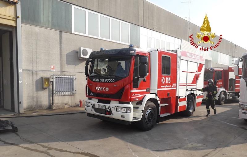 Vigili del Fuoco – Arzignano (VI), Incendio dei filtri di aspirazione delle polveri in un'officina di carrelli elevatori