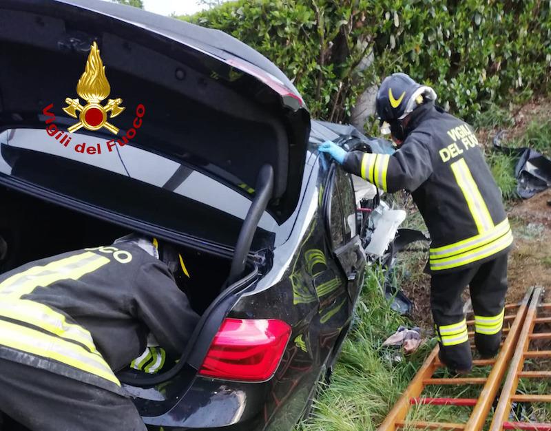 Vigili del Fuoco – Camisano (VI), Incidente stradale in Via Rasega: Deceduta una giovane donna e feriti i due conducenti