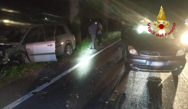 Vigili del Fuoco – Stanghella (PD), Incidente tra due auto all'altezza del ponte sul Gorzone: Feriti i due conducenti