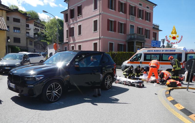 Vigili del Fuoco – Belluno, Incidente fra una moto ed un'auto all'incrocio tra Via Monte Grappa e Via Col Cavalier, gravemente ferito il centauro