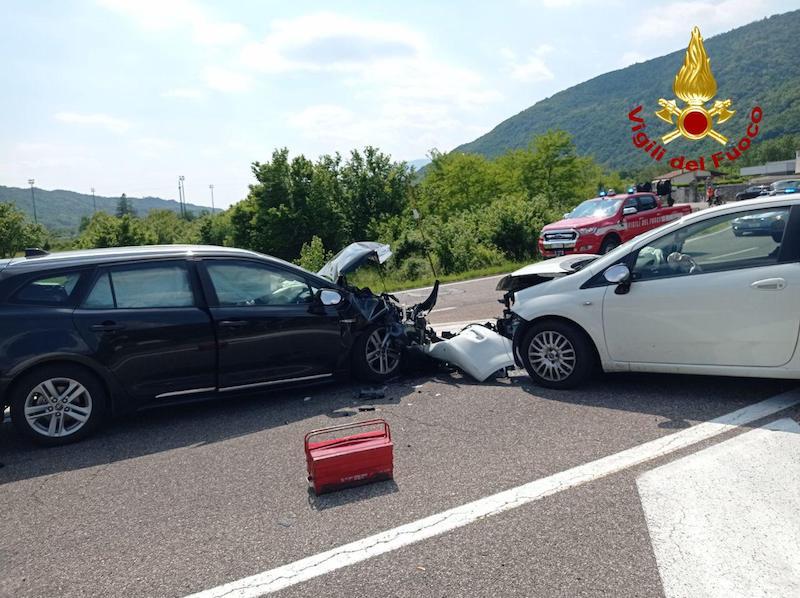 Vigili del Fuoco – Revine Lago (TV), Incidente tra 2 auto in Via Guglielmo Marconi