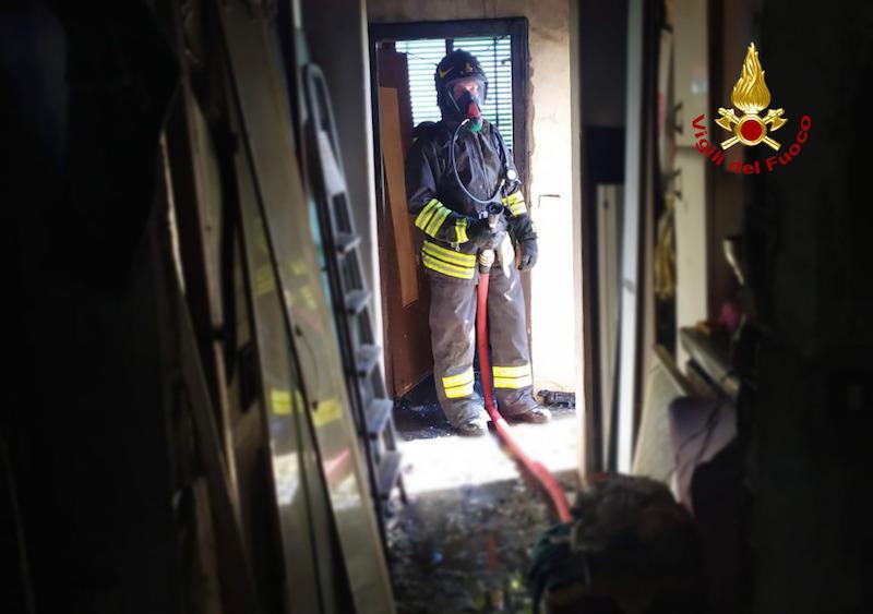 Vigili del Fuoco – Lozzo Atestino (PD), Salvata anziana donna 83enne ed i suoi due cani dall'incendio della sua abitazione