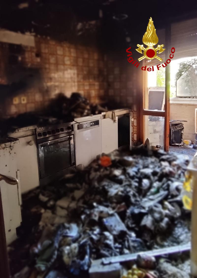 Vigili del Fuoco – Vicenza, Un corto circuito innesca l'incendio di un appartamento in Viale Ortigara