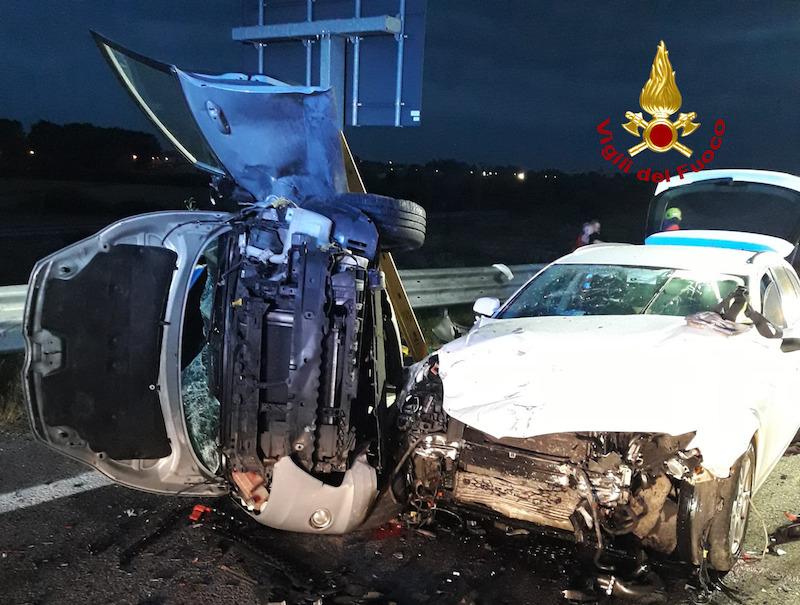 Vigili del Fuoco – Fossalta di Portogruaro (VE), Terribile incidente stradale tra tre auto lungo la SS14: 6 feriti di cui due gravi