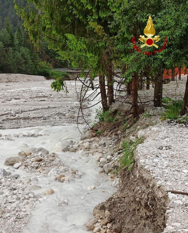 Vigili del Fuoco – Belluno, Oltre 50 gli interventi a causa della forte ondata di maltempo che ha compito la provincia