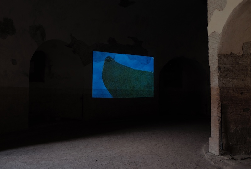 """Sabato 4 e sabato 11 settembre 2021, alle ore 11.00  Roma, Villa di Massenzio: Videoinstallazione ambientale """"ISOLE"""" – Visite guidate del curatore Tommaso Strinati"""