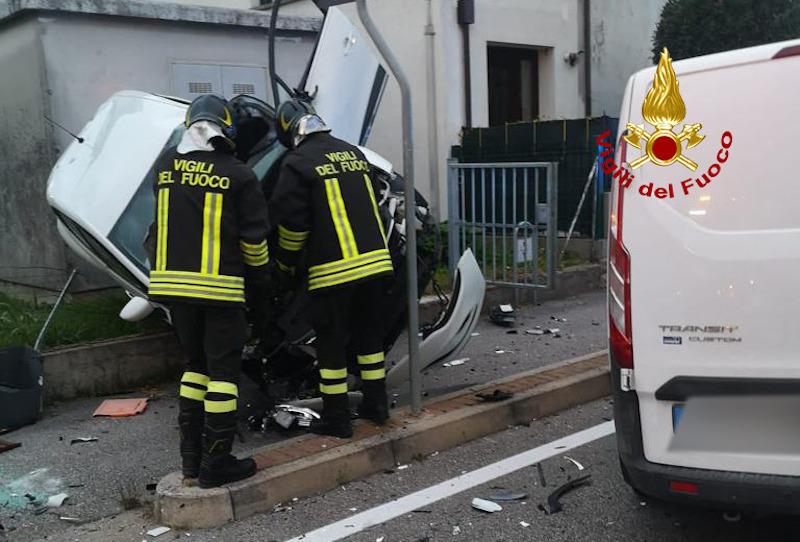 Vigili del Fuoco – Conselve (PD), Scontro tra due auto in Via Casette, ferito uno dei conducenti