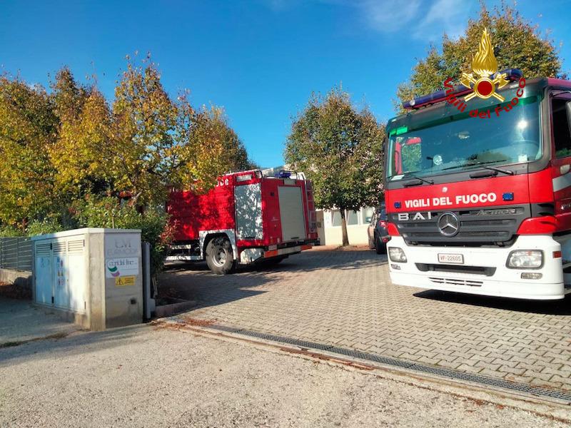 Vigili del Fuoco – Alano di Piave (BL), Incendio di una pressa di fusione all'interno di un'azienda di accessori moda: Intossicato dal fumo un operaio